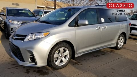 New 2020 Toyota Sienna LE FWD Regular